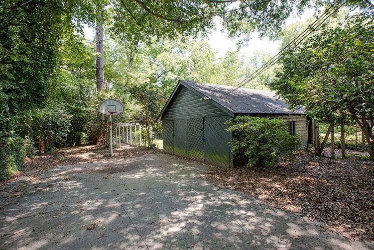 Backyard_114-Sims-Ave_Burton-Fowles