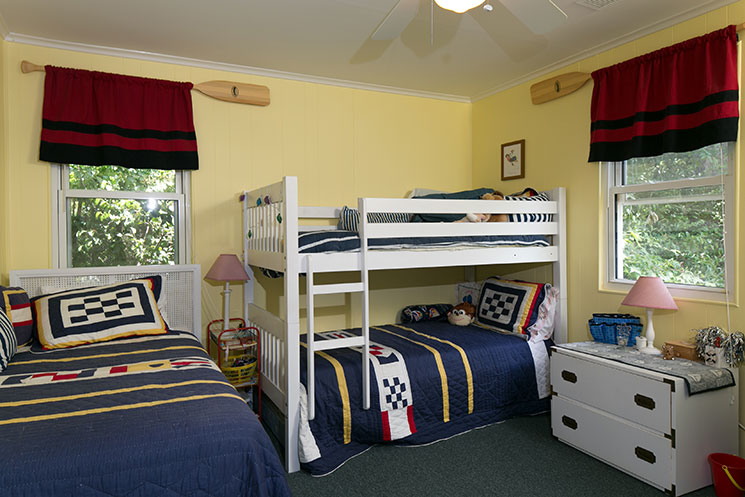 Childrens-bedroom_116-Lakewood-Dr-Chapin-SC-29036_Wellman-Realty_Burton-Fowles