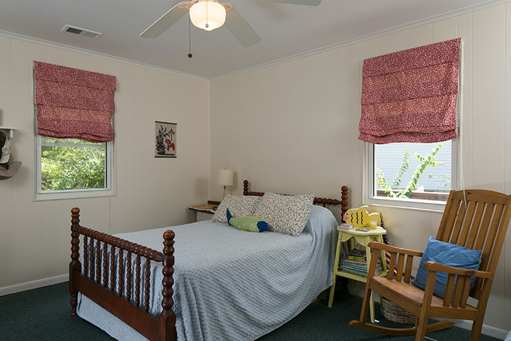 Master-Bedroom_116-Lakewood-Dr-Chapin-SC-29036_Wellman-Realty_Burton-Fowles