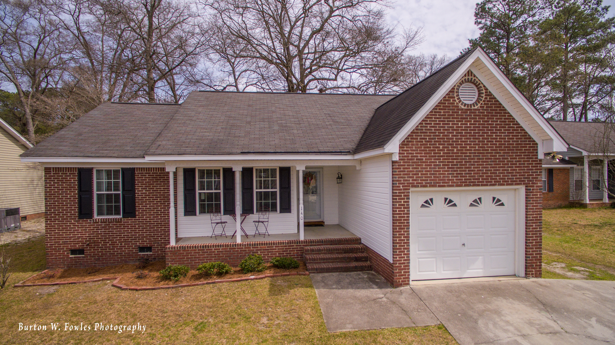 For Sale: 140 Whispering Glen Circle, West Columbia, SC 29170Listed by Burton W. FowlesWellman 3D Realty